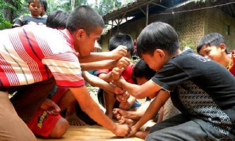 8 Permainan Tradisional Anak Sunda